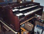 Picture of a 1970 Hammond B3 chop